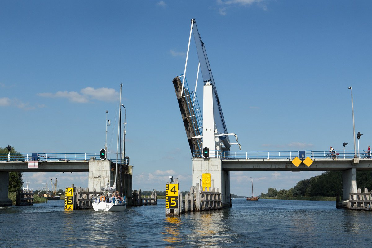 Groot onderhoud bruggen en sluizen Provincie Flevoland