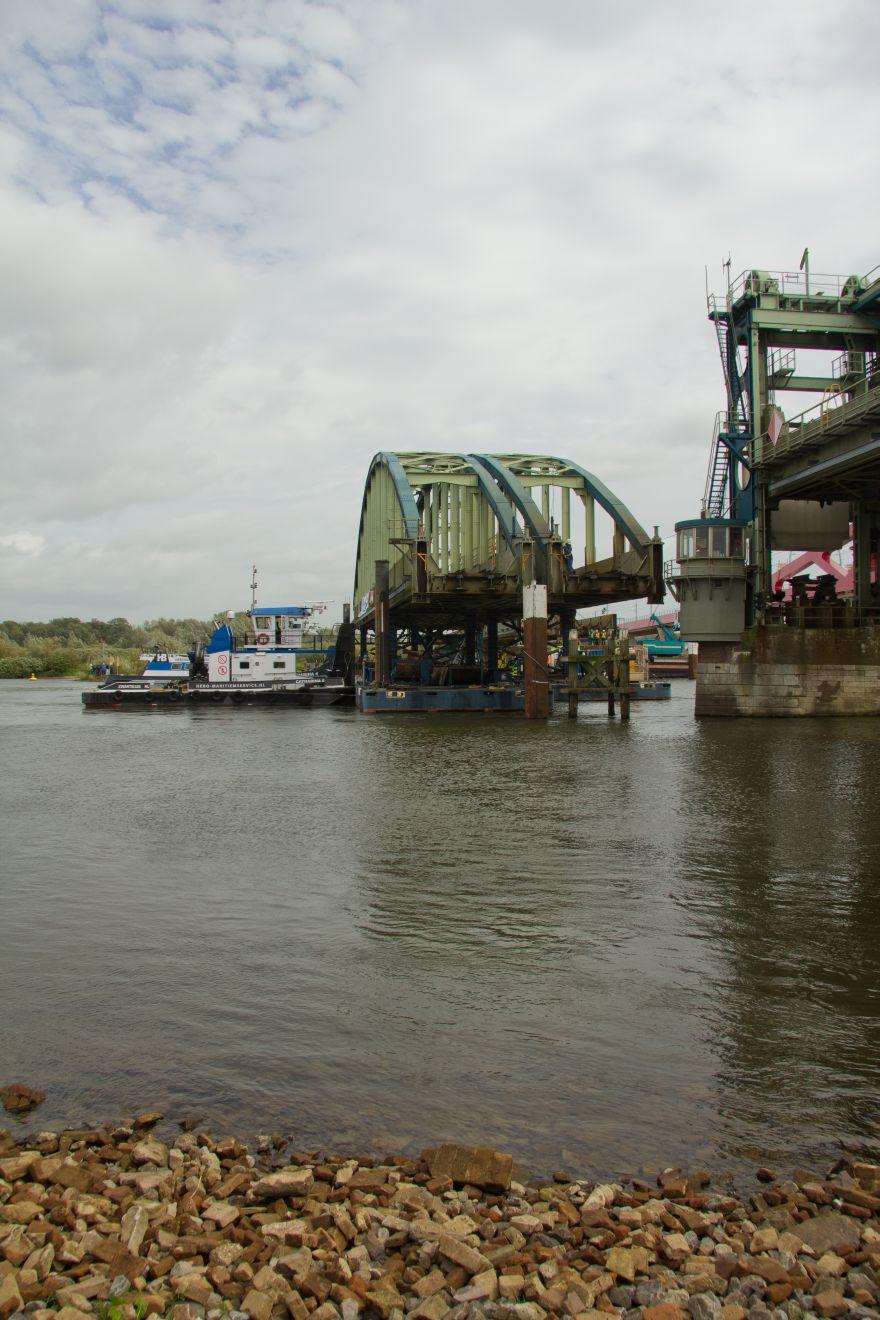 Sloop Spoorbrug over de IJssel Hattem